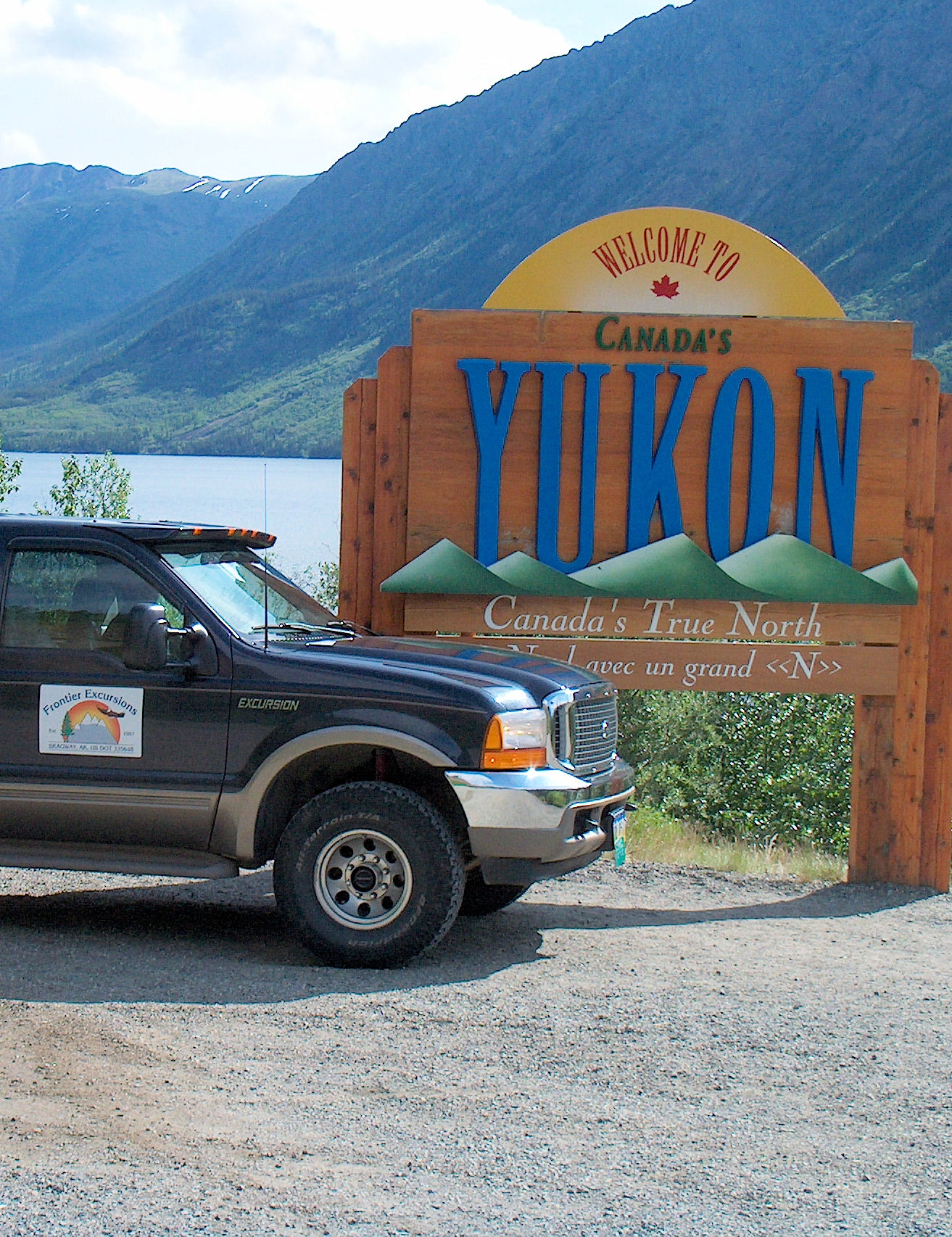Yukon Adventure by 4 x 4 Vehicle