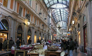 Naples Shopping Passage Tour