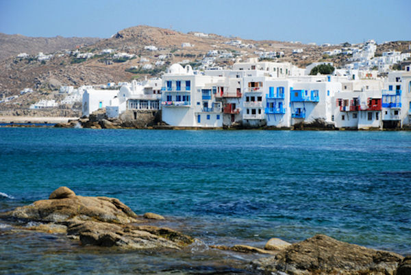 selft guided beautiful alleys of mykonos
