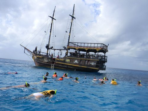 Best Pirate Ship Snorkel Lunch And Party Shore Excursion At - Pirate ship cruise hawaii